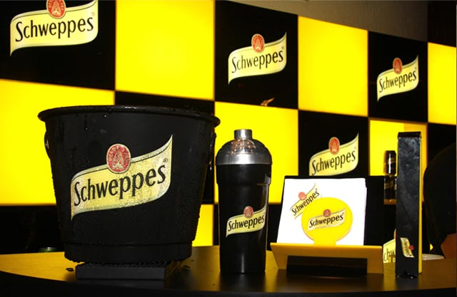 wagon creativity in motion schweppes meeting. Black Bedroom Furniture Sets. Home Design Ideas